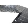Резиновая плитка для пола гаража или автосервиса