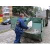 Вывоз мусора контейнерами. Мусоровоз. Грузчики